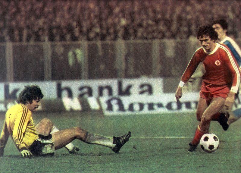 Halilhodžić postiže gol protiv Dinama