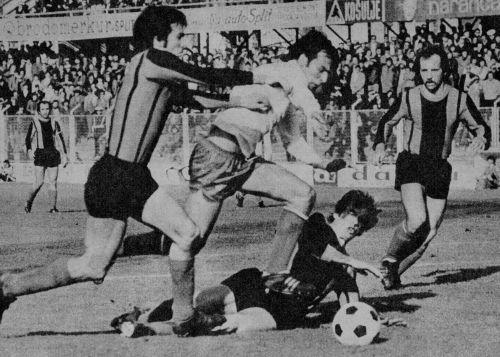 Detalj sa utakmice Hajduk - Vardar: Slaviša Žungul (beli dres) u prodoru ka golu Skopljanaca
