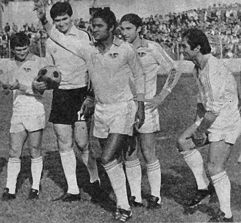 Sleva: Santrač, tadašnji golman Partizana Rade Zalad, Euzebio, Džajić i Šekularac