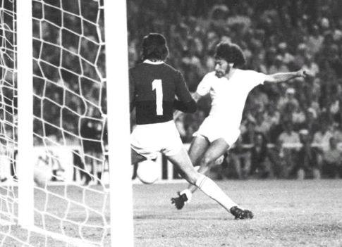 Paul Brajtner pred golom Milana Šarovića (izvor: http://news-realmadrid-football.blogspot.com)
